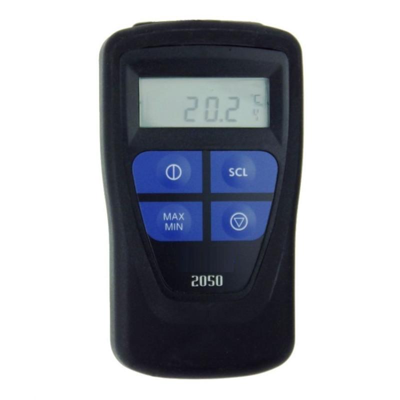 Termometro De Entrada Pt100 El termometro dispone de 5 sensores internos para medir y registrar las magnitudes de temperatura, humedad relativa, presión atmosférica, luz y aceleración a través de un sensor triaxial. guilcor